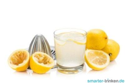 Muntermacher am Morgen: warmes Zitronenwasser zum Tagesstart